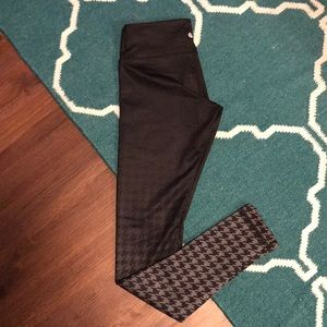 LULULEMON Wunder under pants size 4